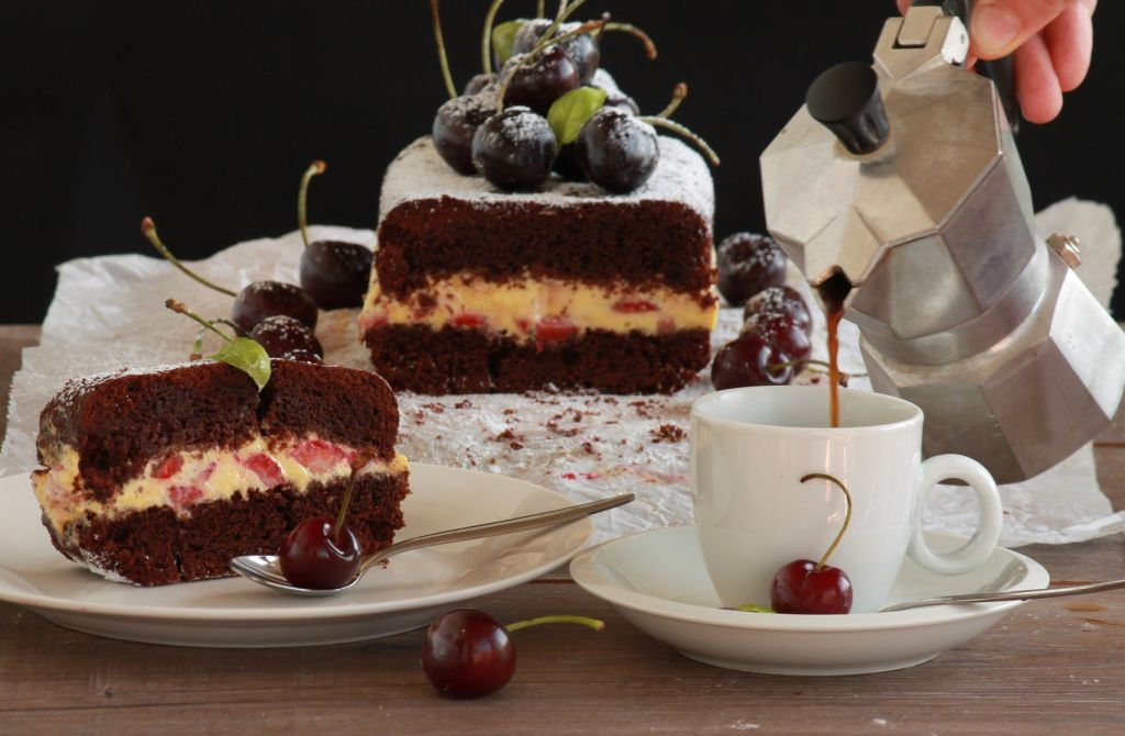 cake and hot drinks for afternoon tea