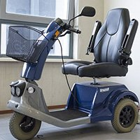 mobility scooter 1372965 340