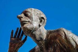 listen sculpture 3365574 1280
