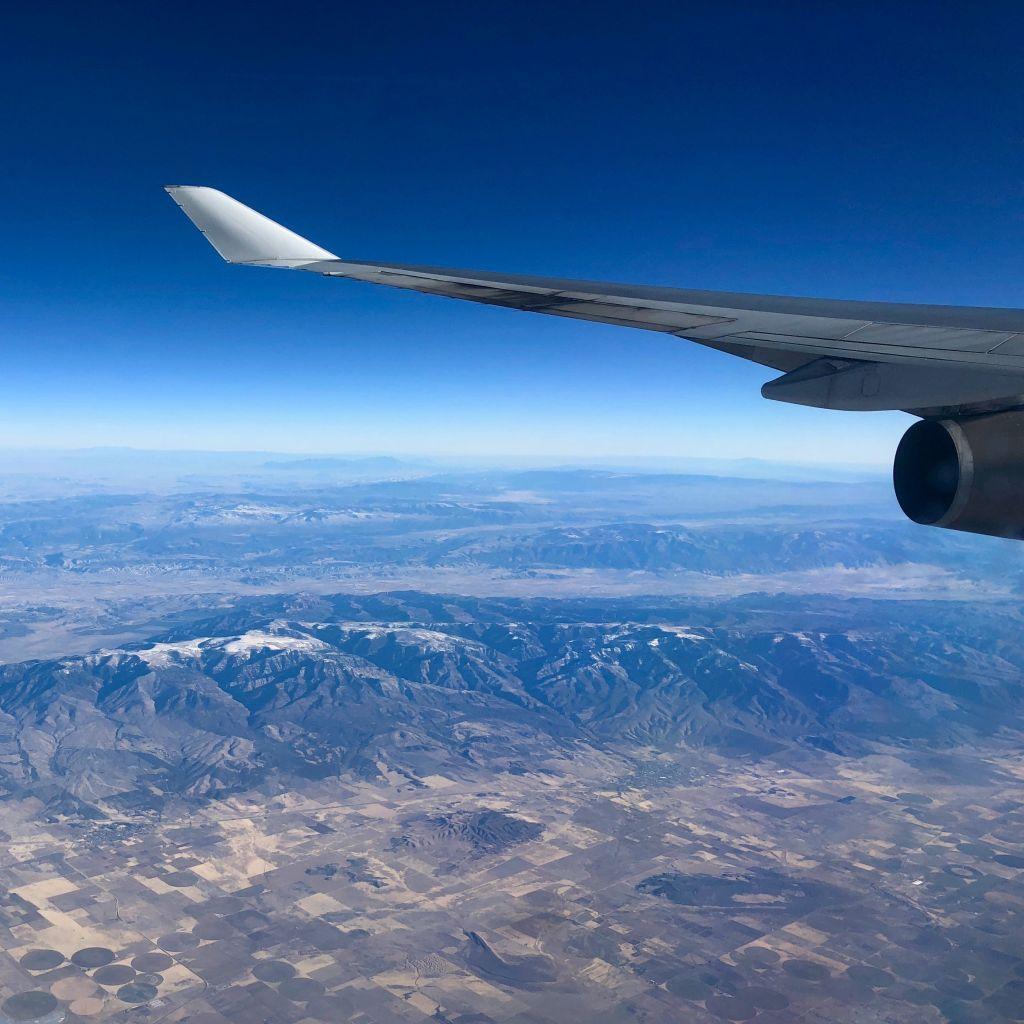 Assistance flying for elderly people