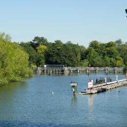Thames rivercruise access